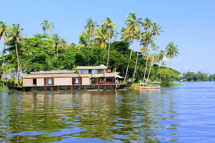 Cruising in the Beaches and Backwaters of Kerala
